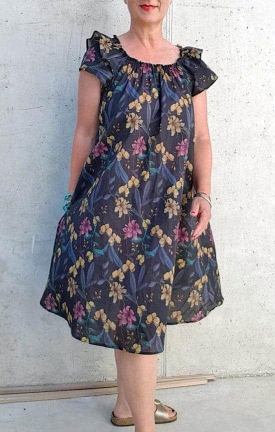 luftiges Kleid mit Volantärmeln